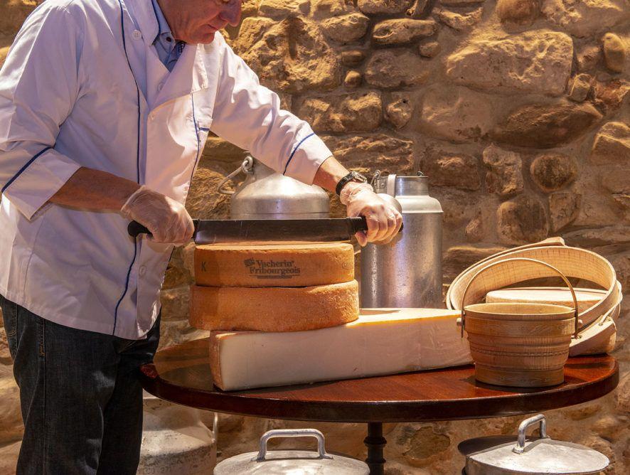 Préparation des fromages à fondue